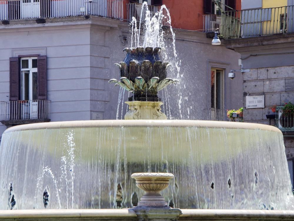 Water fountains in Naples